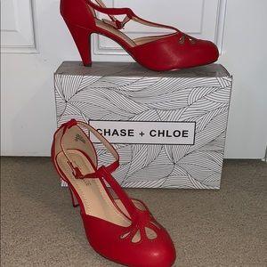 Chase & Chloe T-Strap Mid Heel Pump